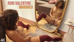girlsoutwest-19-12-09-rubi-valentine-mirrored.jpg