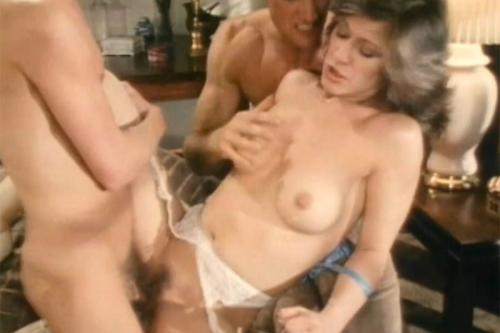 Marlyn gets used by two guyz