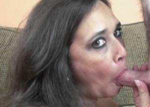 Curvy cougar Alesia fucks a geek